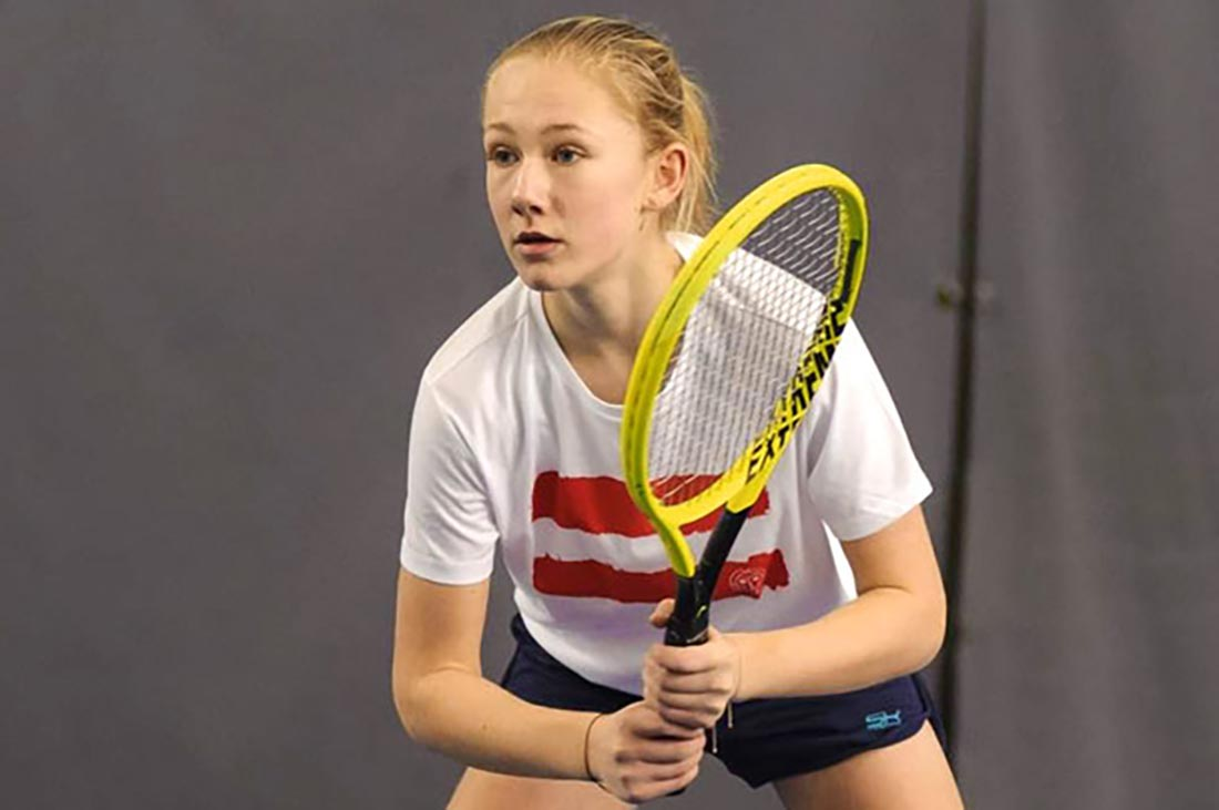 Leonie Rabl beim Tennis